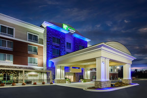 Holiday Inn Express Hotel & Suites California