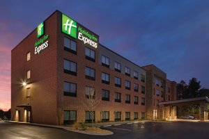 Holiday Inn Express Newnan