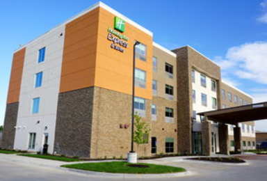 Holiday Inn Express Hotel & Suites I Street Omaha