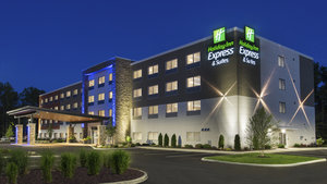 Holiday Inn Express Hotel & Suites Medina
