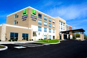 Holiday Inn Express Hotel & Suites Oswego