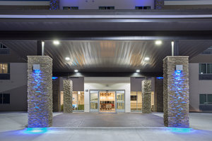 Holiday Inn Express Hotel & Suites North Lincoln