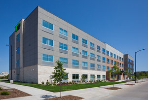 Holiday Inn Express Hotel & Suites Downtown Des Moines