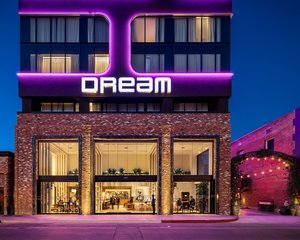 Dream Hollywood Hotel