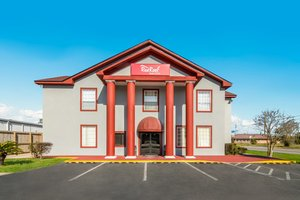 Red Roof Inn & Suites NAS Pensacola