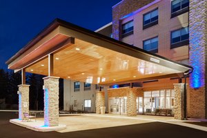 Holiday Inn Express Hotel Suites North S Niles