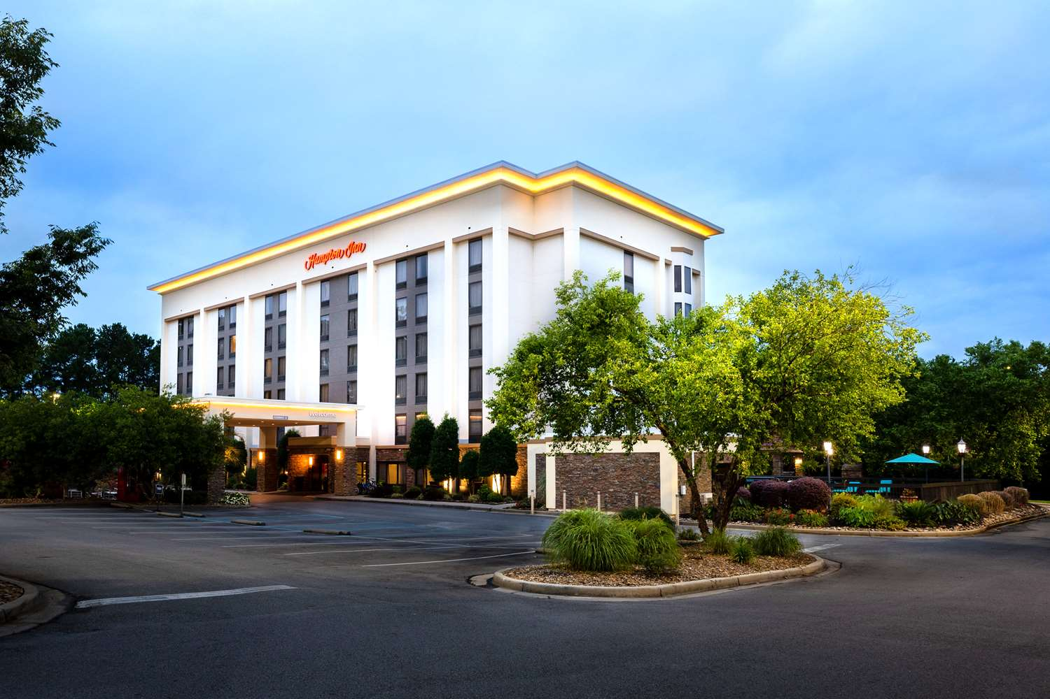 Hotels Near Jamil Shrine Center Columbia South Carolina