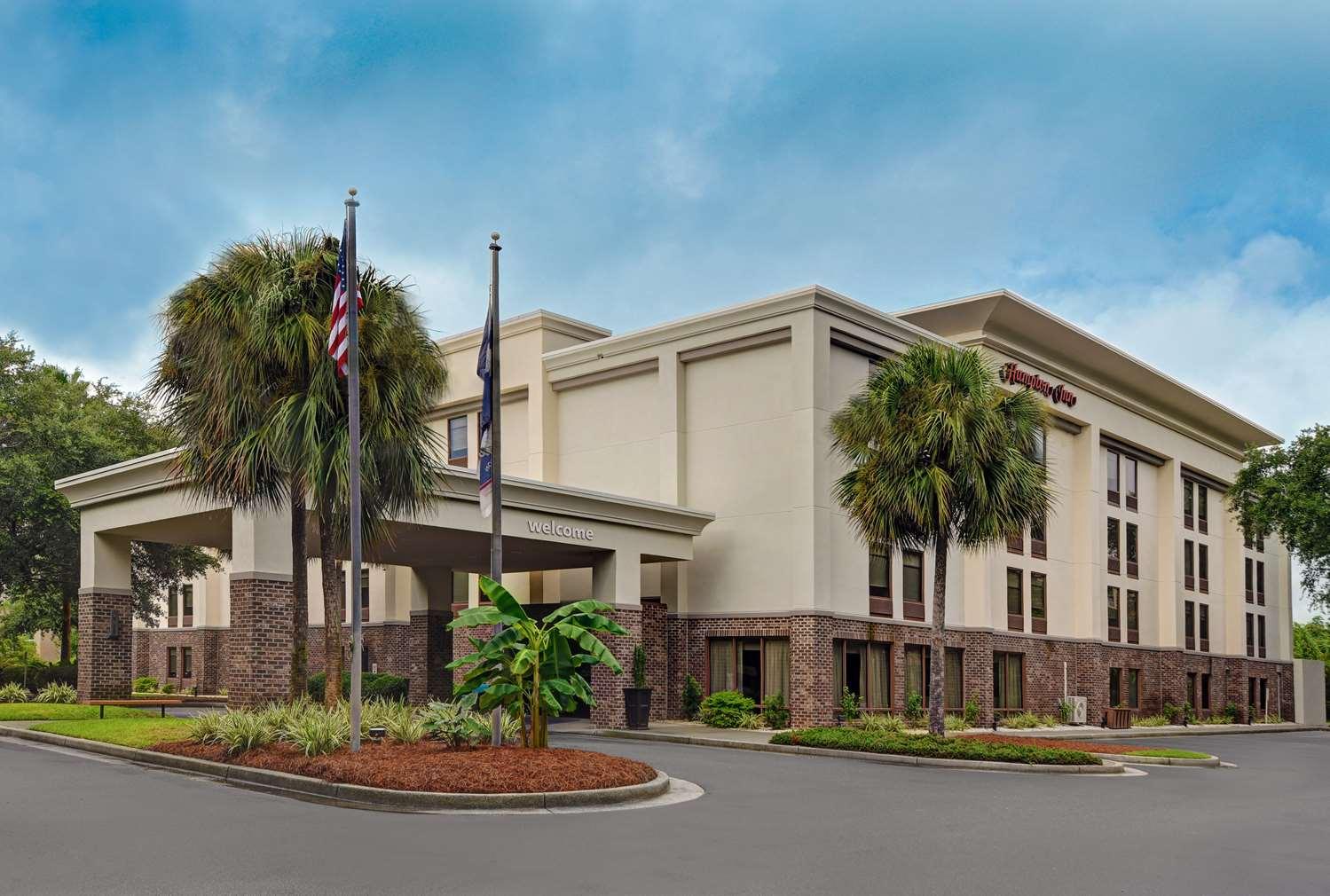 hotels near patriots point mt pleasant south carolina. Black Bedroom Furniture Sets. Home Design Ideas