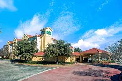 La Quinta Inn Suites Dallas South Arlington
