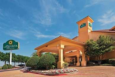 La Quinta Inn & Suites DFW Airport North Irving