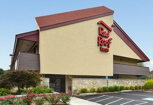 Red Roof Inn Willoughby