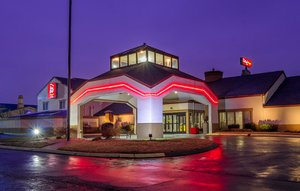 Red Roof Plus+ Inn & Suites West Knoxville