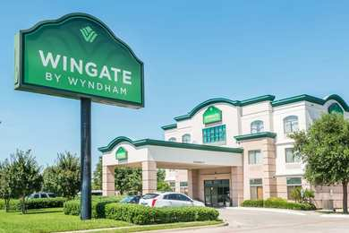 Wingate by Wyndham Hotel Irving