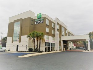 Holiday Inn Express & Suites Northeast Columbia