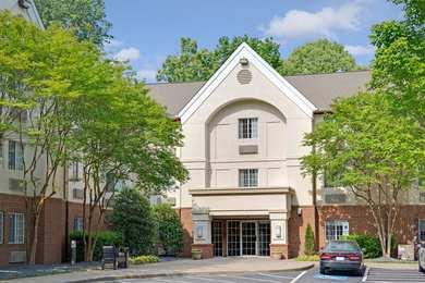 Hawthorn Suites by Wyndham Charlotte Coliseum