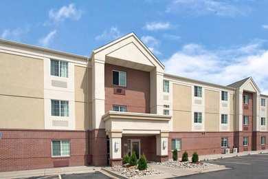 Hawthorn Suites by Wyndham West Omaha