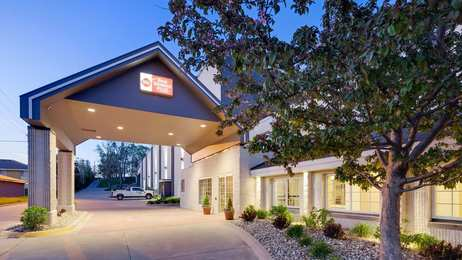Best Western Plus Longbranch Inn Cedar Rapids