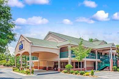 Days Inn Suites Peachtree City
