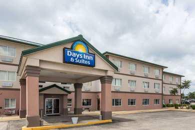 Days Inn & Suites Morris