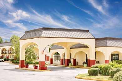 Days Inn Suites Starkville Ms See Discounts