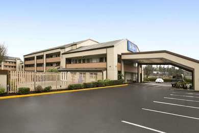 Baymont Inn & Suites Kirkland