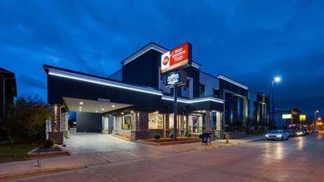 Best Western Plus Milwaukee West Hotel