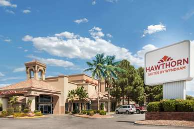 Hawthorn Suites by Wyndham Airport El Paso