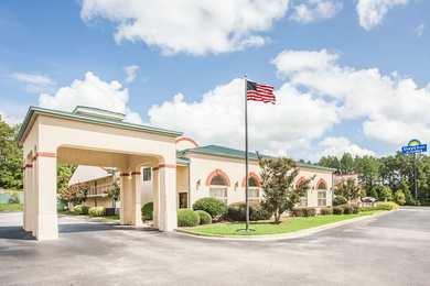 Days Inn & Suites Columbia Airport West Columbia