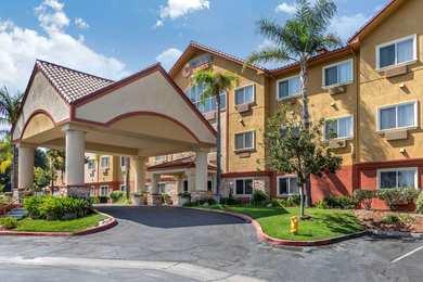 25 good hotels near california institute of the arts valencia
