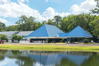 Days Inn Airport Garden City