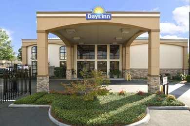 Days Inn Suites Tuscaloosa
