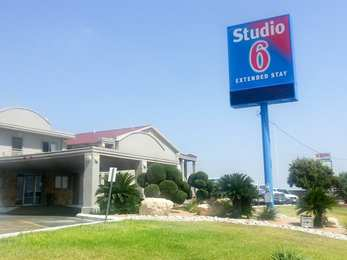 Studio 6 Extended Stay Hotel Del Rio, TX - See Discounts