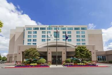 Emby Suites Airport Portland