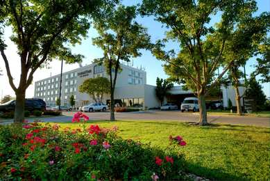 DoubleTree by Hilton Hotel Airport Wichita