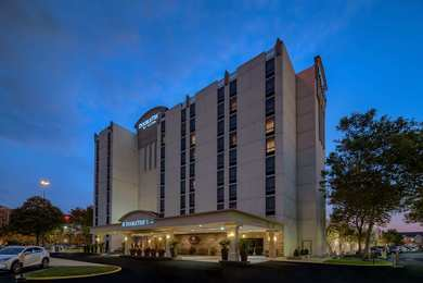 DoubleTree by Hilton Hotel Airport Philadelphia