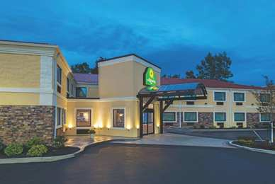 La Quinta Inn Buffalo Airport Williamsville