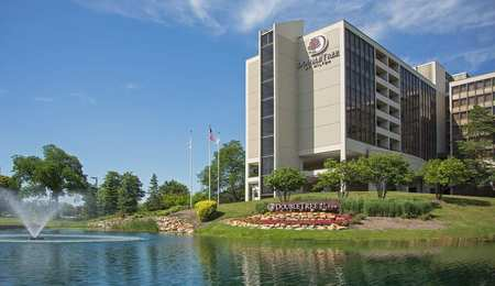 DoubleTree by Hilton Hotel Oak Brook