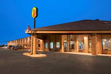 Super 8 Hotel East Green Bay