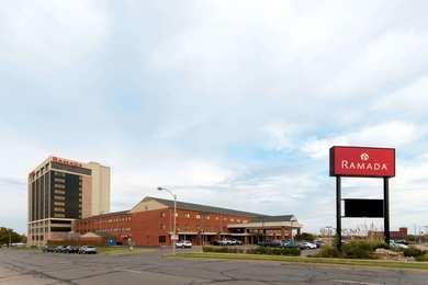 Ramada Inn Convention Center Downtown Topeka