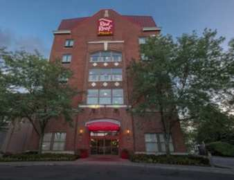 Red Roof Plus+ Inn & Suites Downtown Columbus