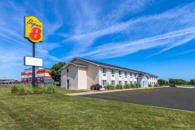 Super 8 Hotel El Dorado