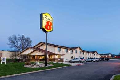 Super 8 Hotel Spirit Lake