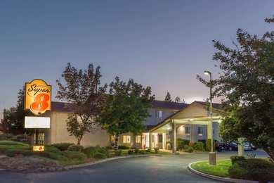 Super 8 Hotel Bend