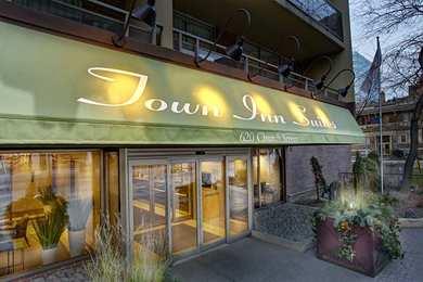 Town Inn & Suites Toronto