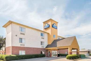 Days Inn & Suites Northwest Dallas