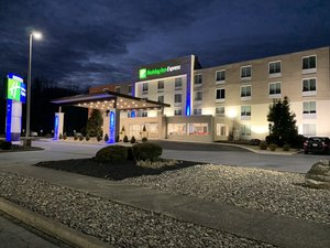 Holiday Inn Express Hotel & Suites North Allentown