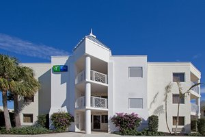 Holiday Inn Express Oceanview Juno Beach