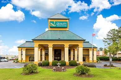 Quality Inn & Suites Civic Center Florence