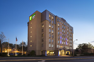 Holiday Inn Express & Suites Cambridge