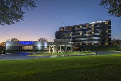 Doubletree By Hilton Hotel Winston M